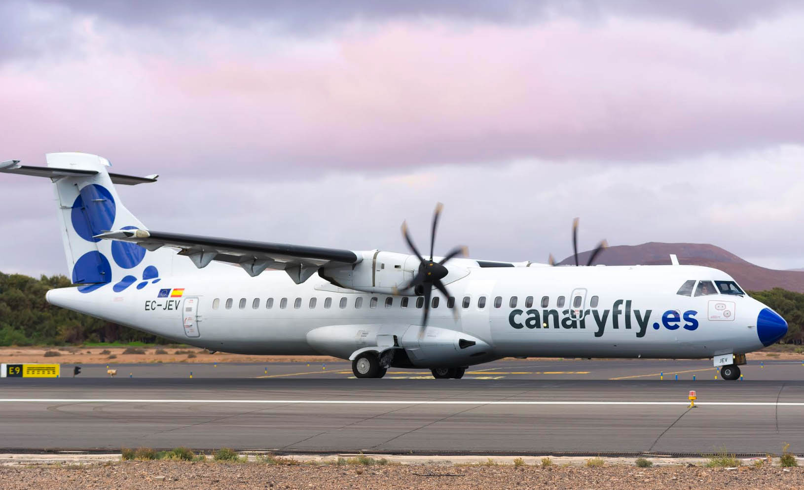 Canaryfly announces suspension of flights until March